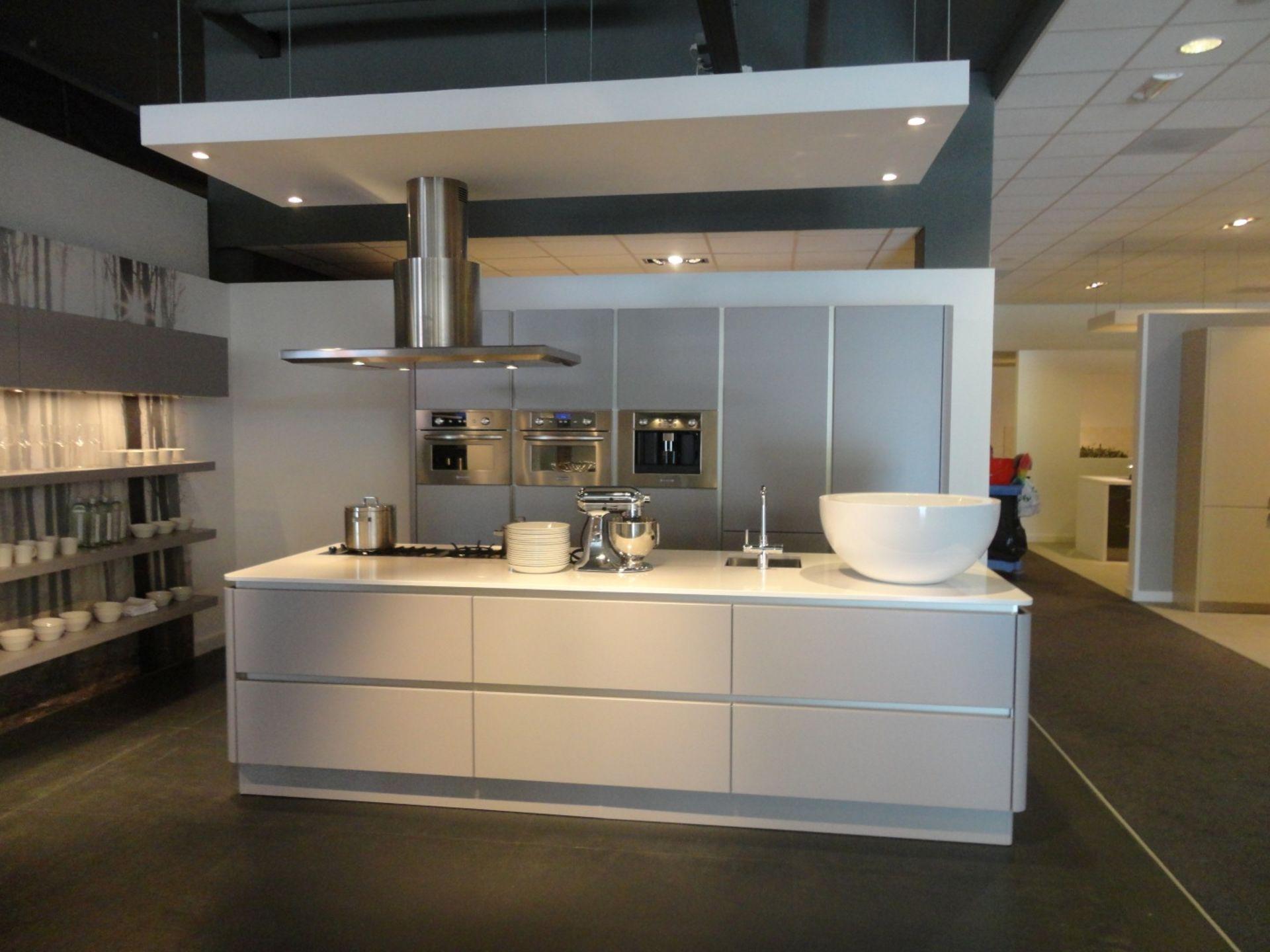Showroomkeuken Basaltgrijs ultramat CVT keukens Breda