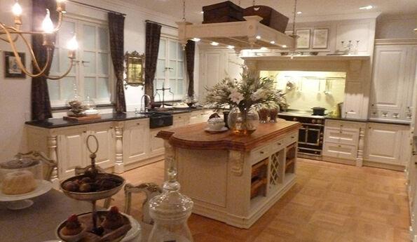 Showroomkeuken Zandsteen CVT keukens Tilburg