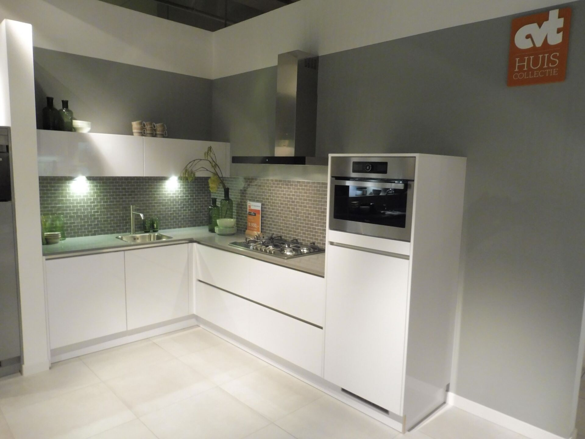 Showroomkeuken Polarwit hoogglans CVT keukens Breda