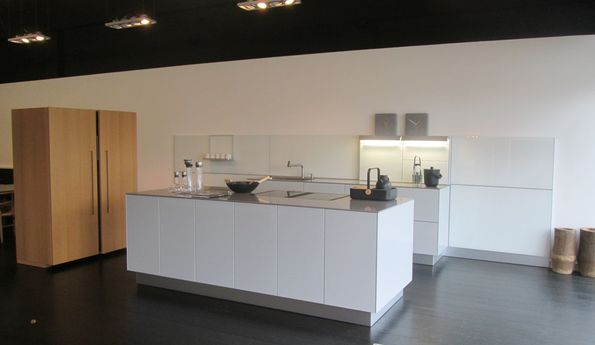 Showroomkeuken Platina / Eiken natuur CVT keukens Breda