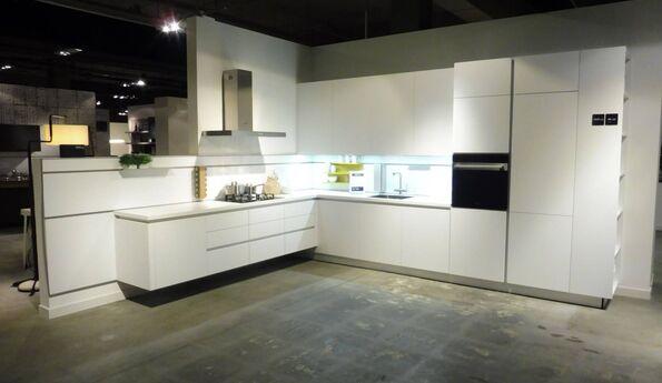 Showroomkeuken Kristalwit CVT keukens Breda